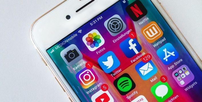 Como saber si alguien de tu entorno es adicto a las Redes Sociales